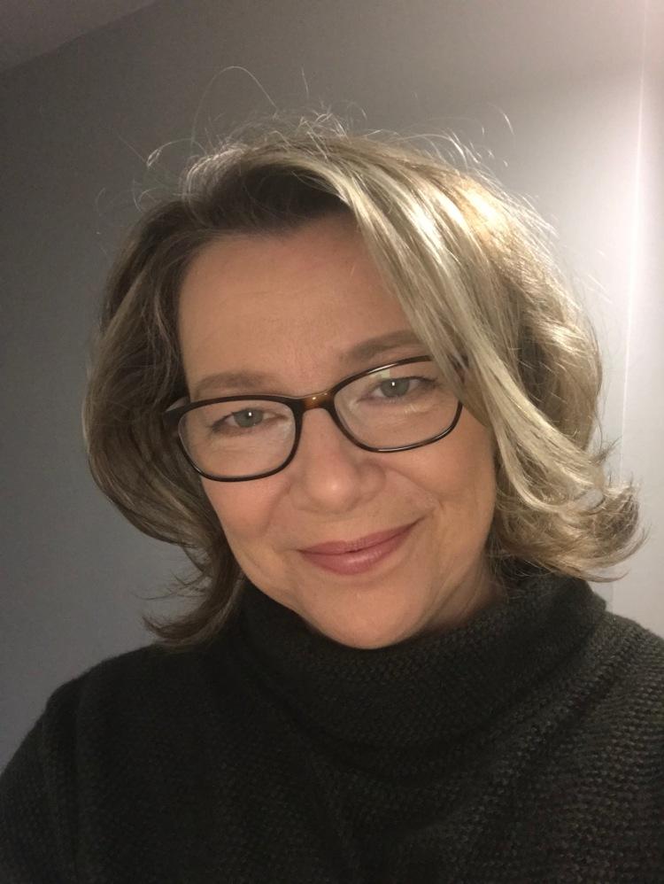 Amanda B Cosgrove